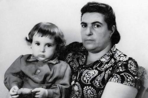 Женя Гинер с бабушкой
